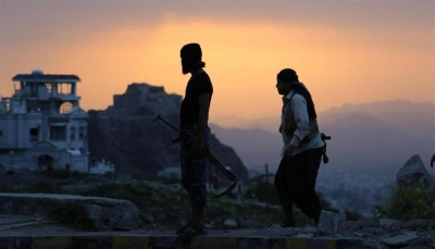 """الحوثيون يكثفون حملات """"التجنيد الإجباري"""" وتفخيخ الأحياء بالحديدة"""