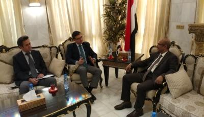 اليمن وتركيا تبحثان سُبُل دعم وتعزيز برنامج إعادة الإعمار