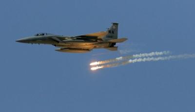 """الجوف: مقاتلات التحالف تدمر ثلاثة أطقم عسكرية للحوثيين في """"برط العنان"""""""