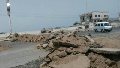 مسؤول حكومي: الحوثيون يستخدمون سيارات الإسعاف للمنظمات الدولية لأغراض عسكرية