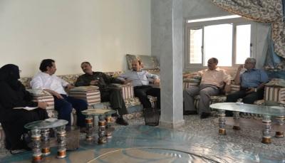 اللجنة الوطنية للتحقيق تناقش مع مدير أمن عدن ملف السجون