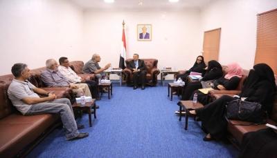 """بن دغر يدعو اليمنيين للالتفاف حول الشرعية ويقول أنها """"طوق النجاة للجميع"""""""