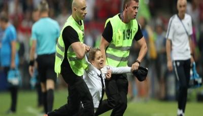 """من هن النساء اللاتي اقتحمن المباراة النهائية في """"كأس العالم"""" وما هي مطالبهنّ؟ (صور)"""
