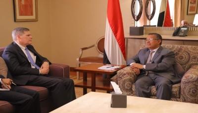 إطلاق الأسرى والمعتقلين وفك الحصار عن تعز.. شروط الحكومة للتفاوض مع الحوثيين