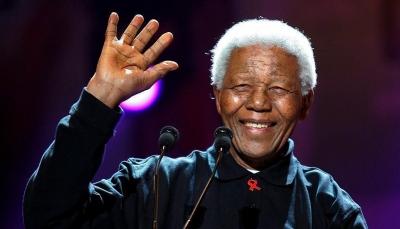 """العالم يحتفل بمئوية ميلاد الزعيم الجنوب إفريقي """"مانديلا"""""""