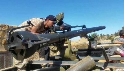 """البيضاء: الجيش يُفشل هجوم للحوثيين على مواقع في مديرية """"الملاجم"""""""