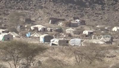 مليشيا الحوثي تقصف مخيما للنازحين شرقي صنعاء