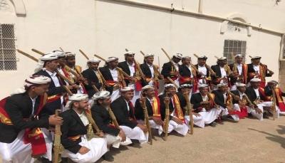 """البيضاء.. الحوثيون يختطفون عشرة عرسان شاركو بـ """"زفاف جماعي """"ويلاحقون البقية"""