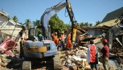 أكثر من سبعين ألف مشرد جراء الزلزال في اندونيسيا