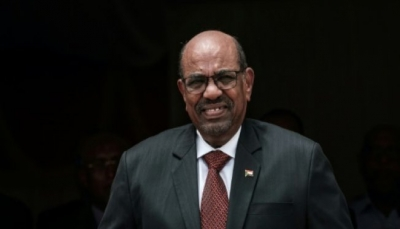 الرئيس السوداني يقرر حل الحكومة