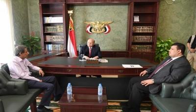 """الرئيس يستقبل وزير التعليم الفني """"الأشول"""" بعد إفلاته من الإقامة الجبرية ومغادرته صنعاء"""