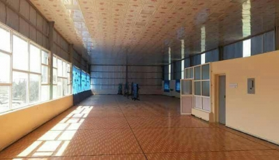 في ظل سلطة الحوثي.. تحويل صالة نادي رياضي في إب لاستراحة قات وشيشة
