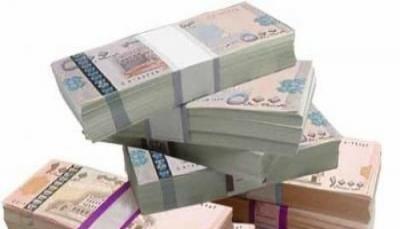 بعد تحسن طفيف.. الريال اليمني يعاود انهياره أمام العملات الأجنبية