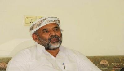 """مسؤول محلي بـ""""حضرموت"""" يعلق أعماله احتجاجاً على تردي الأوضاع"""