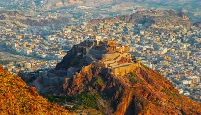 """إشتباكات بين أجنحة الحوثيين على الإتاوات يودي بحياة 4 مسلحين بمنطقة """"الحوبان"""" شرق تعز"""