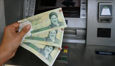 الريال الإيراني يهبط إلى 130 ألفًا مقابل الدولار