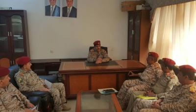 عدن: رئيس الأركان يشدد على سرعة تصحيح الاختلالات في القوات المسلحة