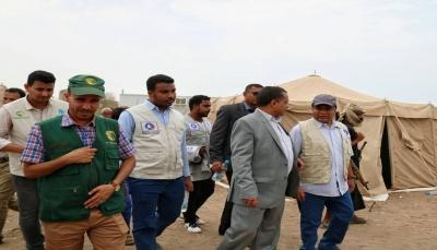 """مركز الملك سلمان يدشن مخيم النازحين بمديرية الخوخة في """"الحديدة"""""""