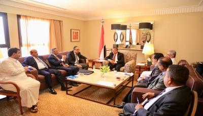 اللجنة الاقتصادية تؤكد أن مصفوفة الإجراءات ستكلل بالنجاح في القريب وتشدد على تأهيل الطيران المدني