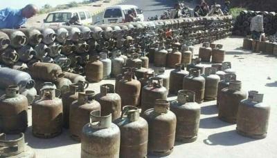 وكيل محافظة تعز يوجه بمصادرة الغاز المنزلي المحتكر وإلغاء تراخيص الوكلاء المخالفين