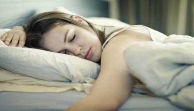 علمياً.. تعرف على أسوأ وأفضل وضعية للنوم