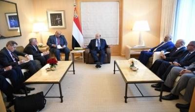 الرئيس هادي يبحث مع نائب وزير الخارجية الأمريكي سبل تعزيز العلاقات بين البلدين