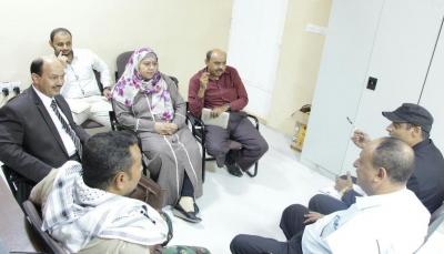 اللجنة الوطنية للتحقيق تزور إصلاحية بئر أحمد وتطلع على أوضاع السجناء