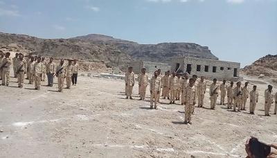 """الضالع: عرض عسكري لكتائب النصر التابعة لمحور """"إب"""" في ذكرى سبتمبر وأكتوبر"""