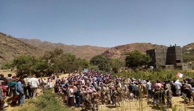 """الضالع: الآلاف يشيعون جثمان الصحفي """"زكي السقلدي"""""""