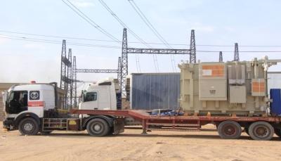 وصول محولين من كوريا الجنوبية لمحطة ربط كهرباء مأرب الغازية