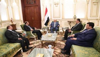 الرئيس هادي يلتقي رئيس الحكومة ويحثه على تحقيق تطلعات اليمنيين