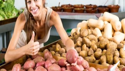 ما الفرق بين البطاطا البيضاء والحلوة في الفوائد الصحية؟