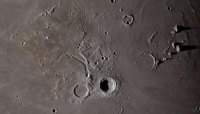 مركبة فضائية تصور بدقة عالية يوم من الحياة على القمر (فيديو)