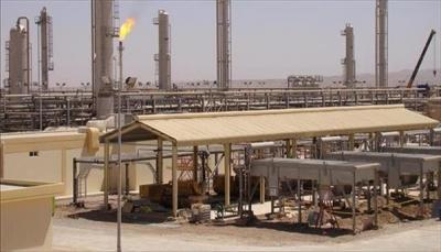 الحكومة تؤكد عزمها على استئناف العمل في زيادة إنتاج النفط والغاز