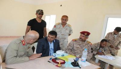 محافظ سقطرى يستعين بالجامعيين في الجيش والأمن لسد نقص المعلمين