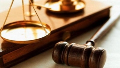 حبس امرأة كويتية قالت لابنها: ادرس يا حمار