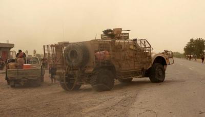 الجيش يدفع بتعزيزات عسكرية  بكامل عتادها إلى الجبهات المتقدمة بالحديدة