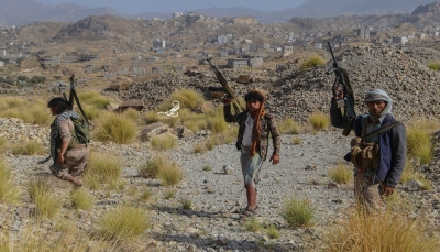 """تعز: الجيش يحرر جبل """"الطيار"""" بحيفان ومقتل ثمانية حوثيين شرق المدينة"""
