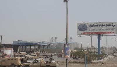 الحديدة: الجيش يقترب من تحرير معسكر الدفاع الساحلي ومصرع العشرات من الحوثيين