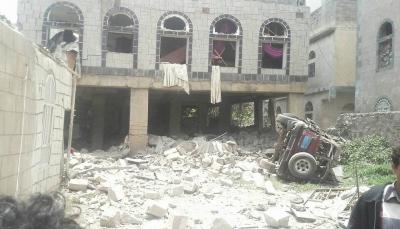 """إب: قتيلان ونهب وتفجير منازل في حملة لمليشيا الحوثي على قرية """"بني زهير"""" بالعدين"""