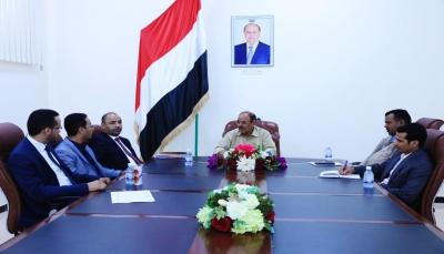 وزارة النفط تؤكد مساعيها الرامية لإعادة إنتاج وتشغيل القطاعات النفطية