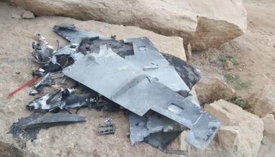 """الجيش الوطني يسقط طائرة مسيرة في """"جبهة نهم"""" شرقي صنعاء"""