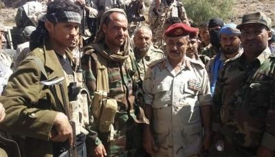 """محافظ الضالع يزور الخطوط الأمامية لجبهة """"دمت"""" ويشيد بانتصارات الجيش"""