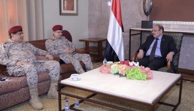 في أول لقاء منذ تعيينهما.. نائب الرئيس يلتقي وزير الدفاع ورئيس هيئة الأركان