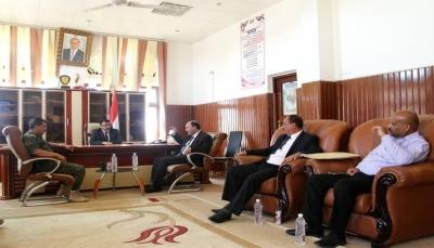 فريق اللجنة الوطنية للتحقيق يزور عدد من السجون في الجوف