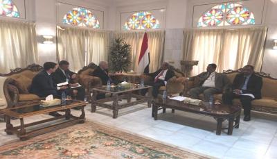 اليمن يبحث مع روسيا تجديد برتوكول التعاون وزيادة عدد المنح الدراسية
