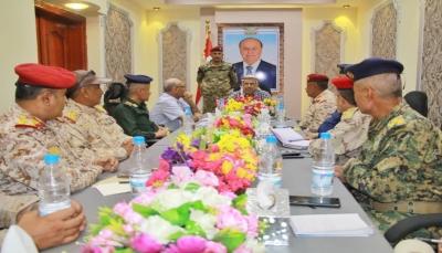 وزير الداخلية يترأس اجتماعاً للجنة تعز الرئاسية ويدعو إلى الوقوف صفا واحدا