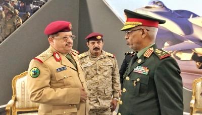 """وزير الدفاع """"المقدشي"""" يلتقي نظيره السوداني والأخير يؤكد دعم بلاده للجيش الوطني"""