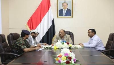 نائب الرئيس يلتقي محافظ مأرب ويشدد على توفير متطلبات المواطنين الخدمية