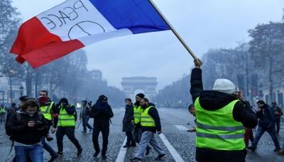 """محتجو """"السترات الصفراء"""" عادوا إلى باريس رغم التحذيرات للمطالبة """"بتغيير"""""""